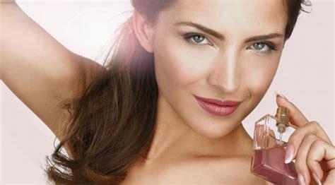 Parfum Bintang biar wangi awet semprotkan parfum di 4 bagian ini