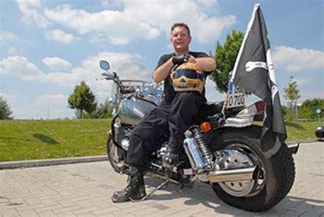 Boss Hoss Motorrad Ps by Boss Hoss Mit Mehr Als 350 Ps Und Breiten Reifen