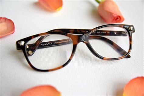 versace glasses vs globe