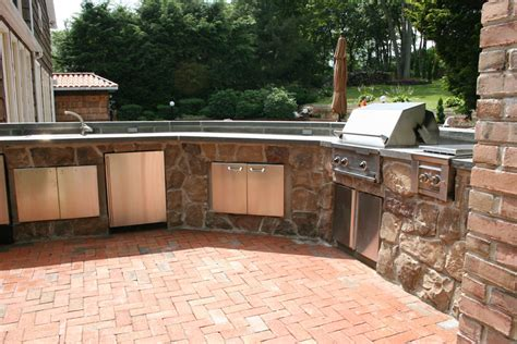 custom outdoor kitchens pictures to pin on