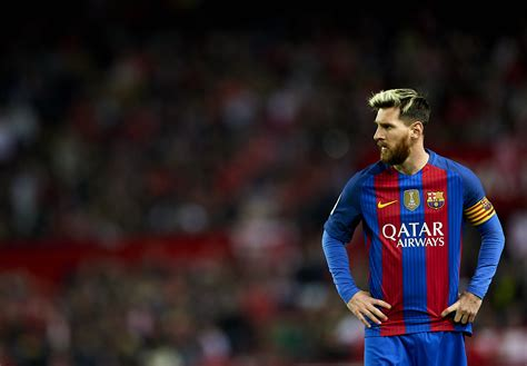 gerard pique barcelona sends veiled message to