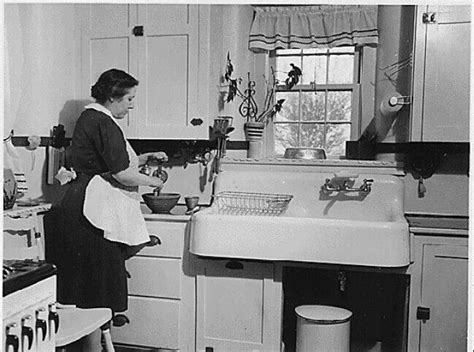 Who Invented The Kitchen Sink 1920 S Kitchen Homefront Pinterest The Modern Pine And Design