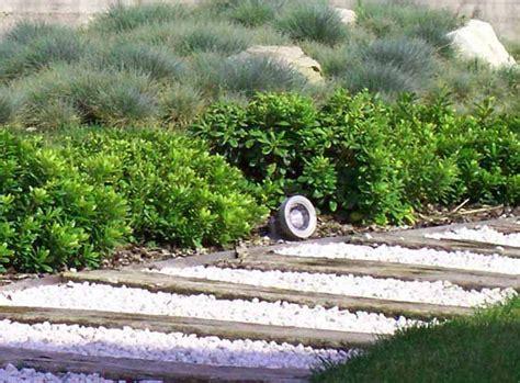 giardini con ciottoli bianchi verde progetto realizzazione giardini