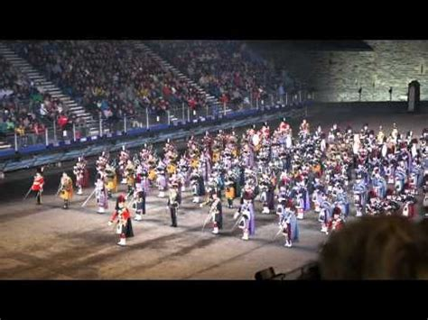 edinburgh tattoo flower of scotland edinburgh military tattoo massed pipes and drums