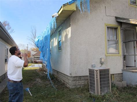 some minneapolis tornado victims struggle to repair homes