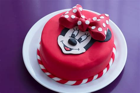Decoration Gateau Anniversaire Mickey by G 226 Teau D Anniversaire Minnie D 233 Coration En P 226 Te 224 Sucre