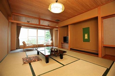 10 Tatami Mat Room - 和室10畳間 japanese style room with 10 tatami mats picture