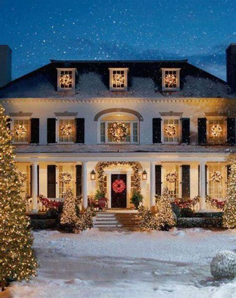 beautiful homes decorated for christmas beautiful decorated home for christmas christmas pinterest