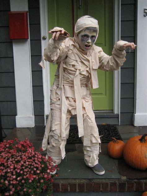 design mom coordinating halloween costumes kids