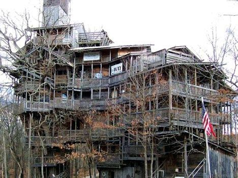 World's Largest Tree House Stands 10 Stories Tall : TreeHugger