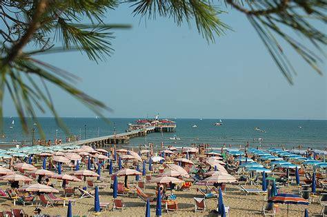 lignano sabbiadoro web strand lignano strand entdecken sie sonnenschirme pavillons