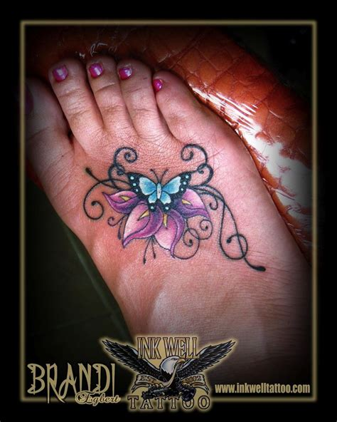 lily butterfly tattoo designs 25 best ideas about calla tattoos on
