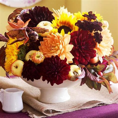 fall flowers centerpieces 25 fall flower arrangements thanksgiving table centerpieces and fall decorations