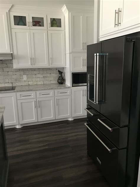 white kitchen cabinets with stainless appliances best 25 black appliances ideas on kitchen