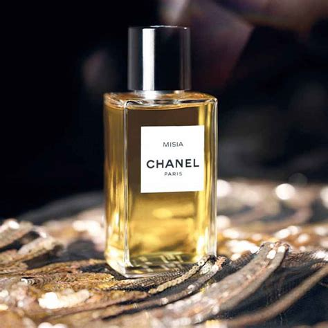 Parfum Friends chanel debut new misia fragrance inspired by a dear