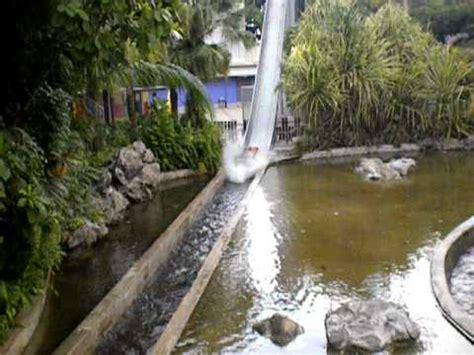 escape theme park singapore city 360 slide boat at escape theme park singapore youtube