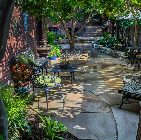 small patio st louis small backyard design makeover poynter landscape