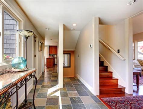 letak tangga  desain rumah minimalis  lantai