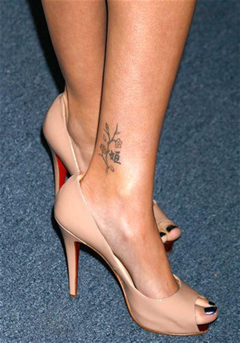 sarah michelle gellar tattoo gellar tattoos pictures images pics photos