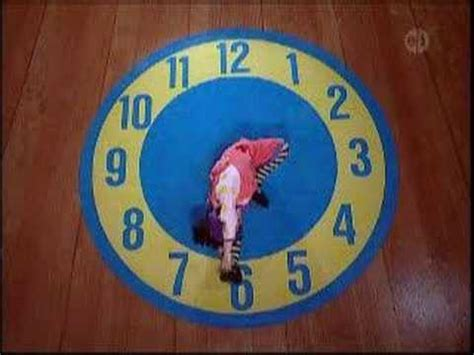 the big comfy couch clock rug stretch 2 the big comfy couch clock stretch doovi