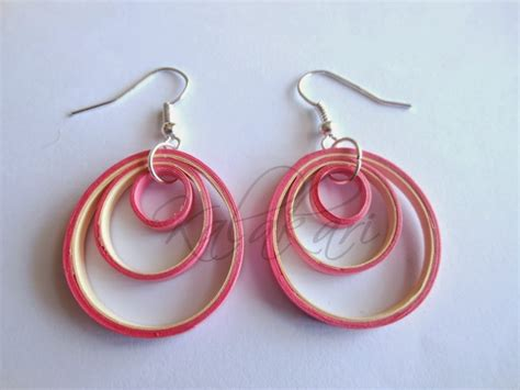 Paper Earrings - free tutorial how to make paper quilled earrings