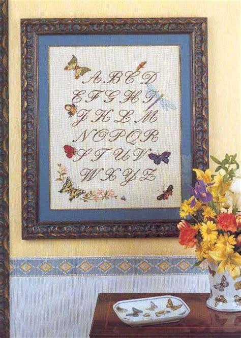 lettere corsive punto croce sler punto croce con lettere corsive e farfalle 1