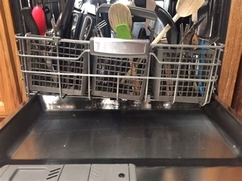 Lg Dishwasher Top Rack Not Getting Clean by Top 288 Complaints And Reviews About Lg Dishwasher Page 2