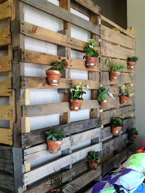 Pallet Wall Planter by Pallet Wall Planter Spotted At Lululemon Athletica Des