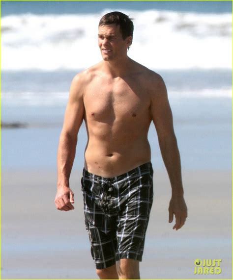 tom brady goes shirtless for costa rica beach stroll