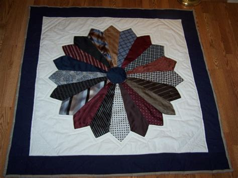 Necktie Quilt Pattern you to see dresden tie s quilt by bobbispain