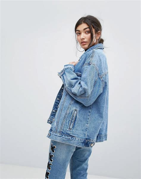 Jaket Oversized Bershka lyst bershka oversized distressed denim jacket in blue