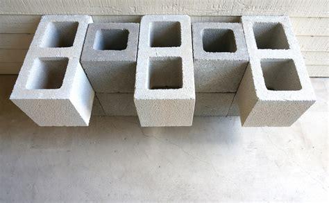 diy facile un mur d 233 coratif en parpaings bricobistro