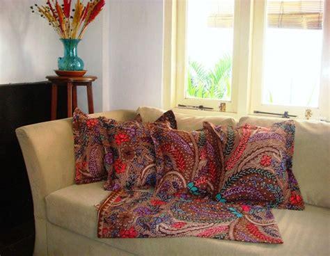 Sarung Bantal Sofa Kode 006 fullset tenun dan batik sarung bantal sofa batik