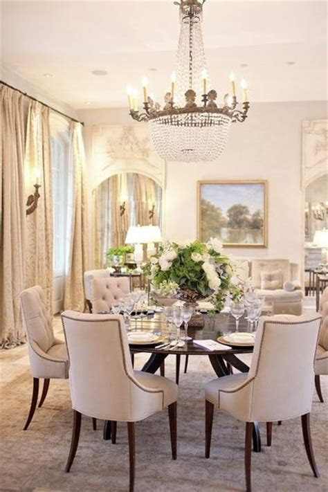 Elegant Dining Room Chairs 25 Ideas For Classic Dining Room Decorating With Vintage