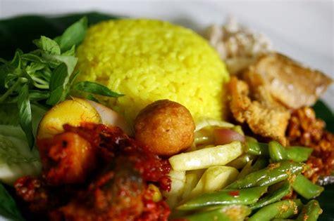 resep membuat nasi kuning yang mudah 93 resep masakan berbahan dasar nasi dan berbagai variasi