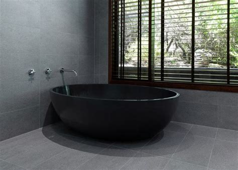 the sleek of bathtubs