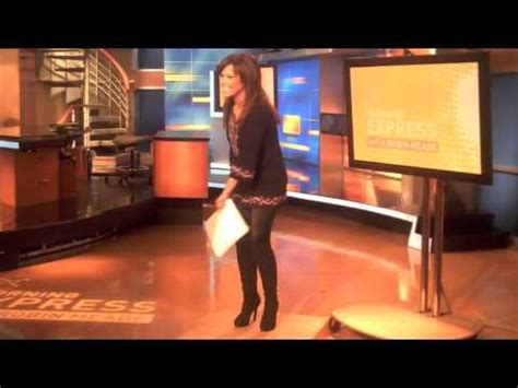 robin wall legs up close youtube robin meade behind the scenes youtube