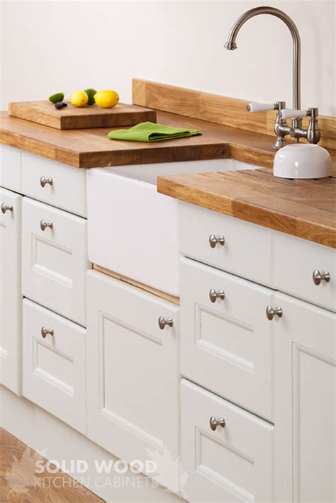 Oak Effect Kitchen Cabinets Worktops And Accessories For Vintage Style Solid Wood Kitchens Solid Wood Kitchen