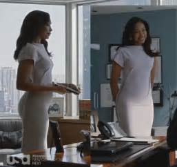 from suits has amazing style she always looks