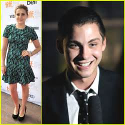 ezra miller wdw logan lerman perks premiere at tiff with mae whitman
