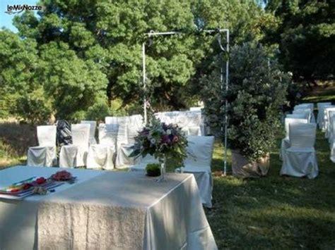 tavoli allestiti per matrimoni tavoli allestiti in giardino per ricevimento di matrimonio