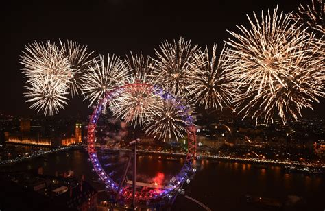 new year in the uk new year s 2016 where to spectacular fireworks