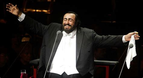 pavarotti best performance pavarotti at 77 celebrating the with the handkerchief