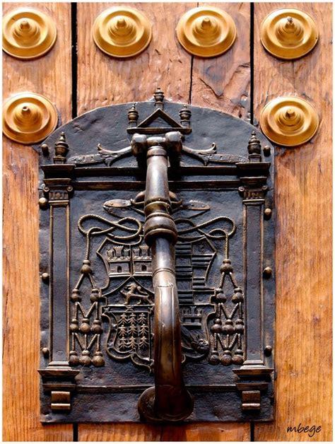 351 Best Deur Kloppers Images On Pinterest Lever Door Front Door Knobs And Knockers