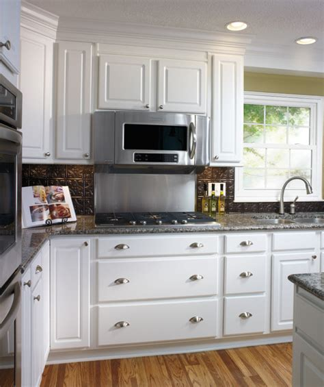 aristokraft kitchen cabinets aristokraft white kitchen cabinets
