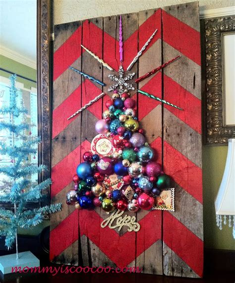 show me christmas decorations for an office 10 gorgeous diy decorations made from pallets