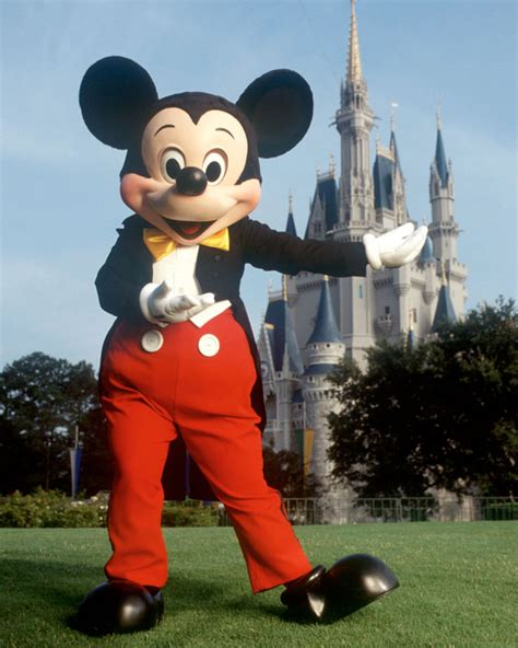 disneyland mickey mickey mouse costumes mickey mouse costume ideas costumei