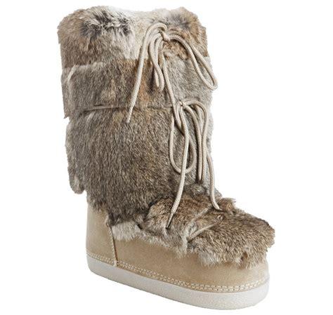 fendi suede and rabbit fur st mortiz moon boots in beige