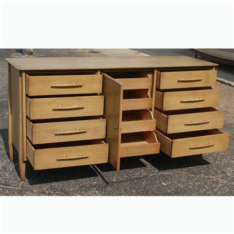 Davis Cabinet Company Dresser by 66 Quot Vintage Davis Cabinet Co Walnut Dresser Ebay