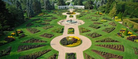 6 Attractions To See While Touring Niagara Falls Botanical Gardens Niagara Falls